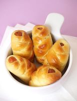 Sausage rolls by foodfortots