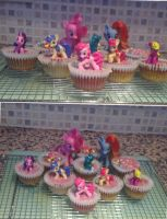 The manliest macho cupcakes I ever did see by steelheartdragon