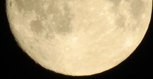 Moon View 28th of August 4 by Kattvinge