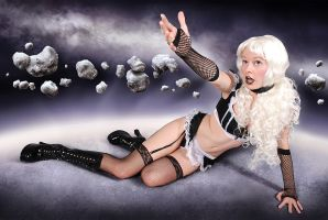 Housemaid in space L6 by MazUsKarL