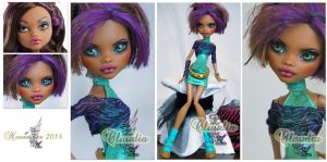 MH Clawdeen repaint #10 ~Claudia~ by RogueLively