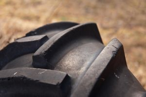 Tractor tyre by theGuffa