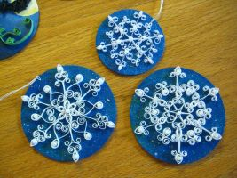 Quilled Snowflakes by nightingales-rose