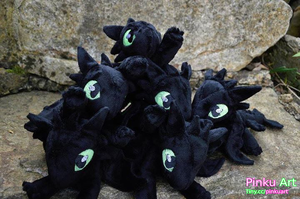 Toothless army by PinkuArt