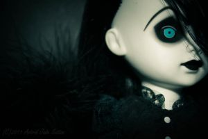 Tenebre by Squiddles66
