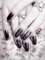 Heartagram Nail Art by Undomiele