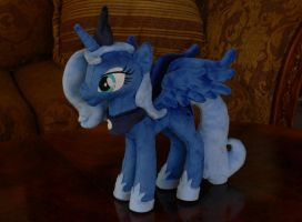 Princess Luna (Season 01) Plushie by navkaze
