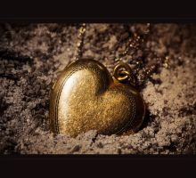 Golden HearT by MRBee30
