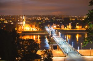 Kaunas at Night by toosas