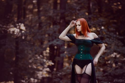Gothic Seduction by Luin-Tinuviel