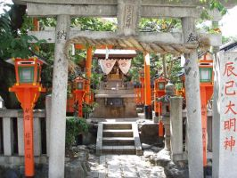 shinto shrine by tintenklecks