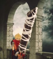 Cloud Kingdom Hearts Cosplay 2 by KIRA009