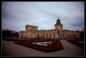 Wilanow Palace just before First Snow by adamsik