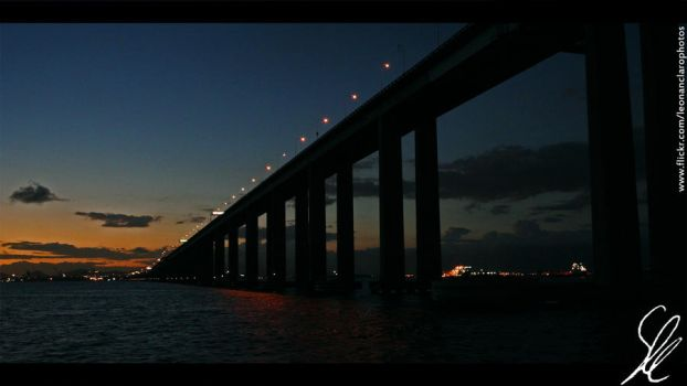 Rio- Niteroi Bridge by leonanclaro