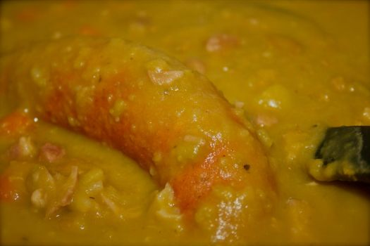 Snert met rookworst / Green Pea Soup with sausage by FiXato