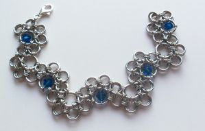 Stepping stone chainmaille by OnthewingsofMaybe