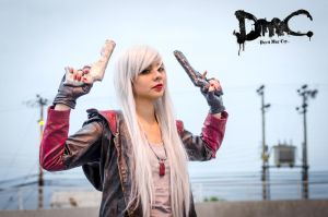 Dante from DmC 5 - Female Version (whitehair) by EelisMZeidler