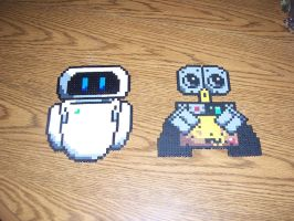 Eve and wall-e by Frost-Claw-Studios