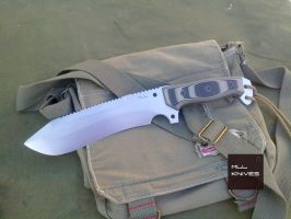 201220133198 by MLLKnives