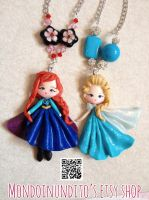 Elsa and Anna from Frozen Kawaii necklaces by mondoinundito