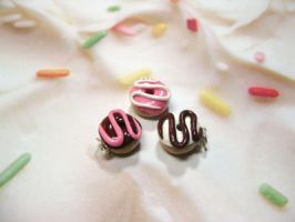 Charms: Mini Doughnuts by okapirose