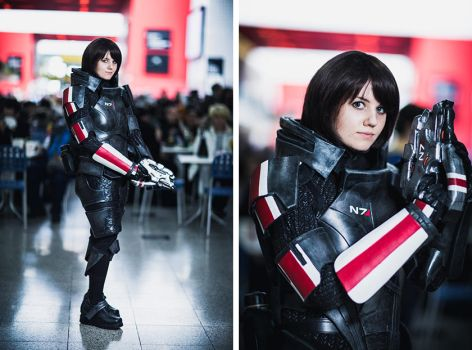 Commander Shepard Cosplay - MCM Expo Oct 2012 [3] by arido-X