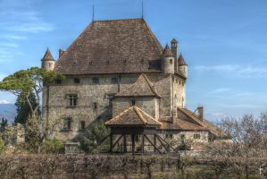 Yvoire chateau HDR by bribesdemoi