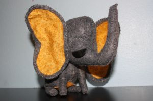 Flannigan the Elephant by morphinetears36