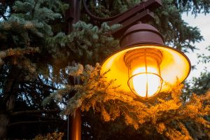 Lamppost Glow by sequential