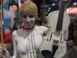 White Violin by Toledoll