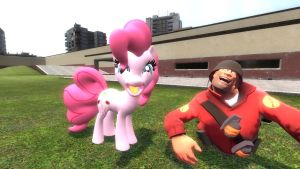 Garry's Mod: Pinkis Cupcake by AwesomeCasey795