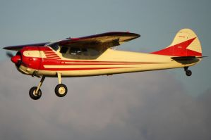 Cessna 195 Landing 2 by shelbs2