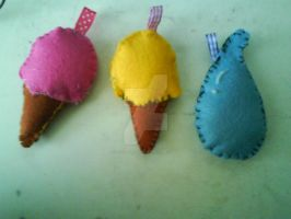 ice creams and water drop -felt- by Aiko-Hirocho