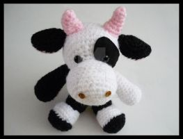 Muka the cute cow by Dicita