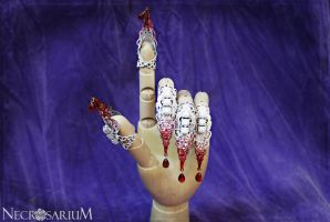Bloody White Claw Set by Necrosarium