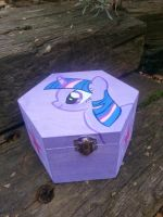 Twilight Sparkle wooden jewelry box hand painted by LightningChaser