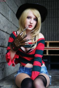 Fem Freddy Krueger: Come Hither Stare by HarleyTheSirenxoxo