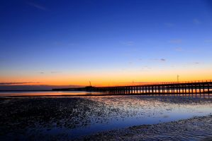 Hervey Bay Pier by ness5378