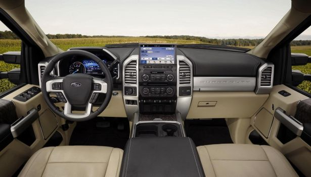 Ford-Super-Duty-2017-interior by jamyankovich