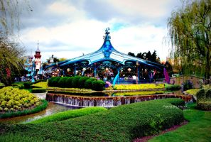 Disneyland I by 7ayat