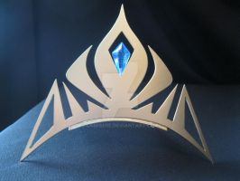 Elsa's crown from FROZEN by LaMisere