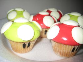 Mini Mario Cupcakes by Lil85