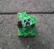 Build-A-Creep Workshop: A Perler Tutorial by hardrocker37