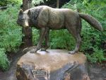 Wolf Statue by DL2288