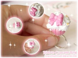 Ribbon Cupcake ring by Fluffntuff