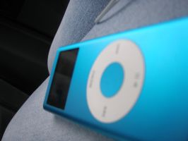 up-close iPod by pianoanimato