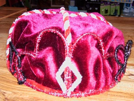 Queen of Hearts crown by pipecleaner-princess