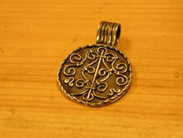 Silver filigree pendant by fengaren