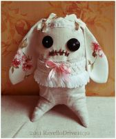 """Zombie Hase """"Rosie"""" by RevelloDrive1630"""