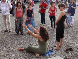 Barefoot Buskers Girls by Groucho91